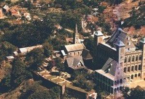 Anatirova : Le Temple, Besakana, Mahitsielafanjaka, Tranovola et Manampisoa
